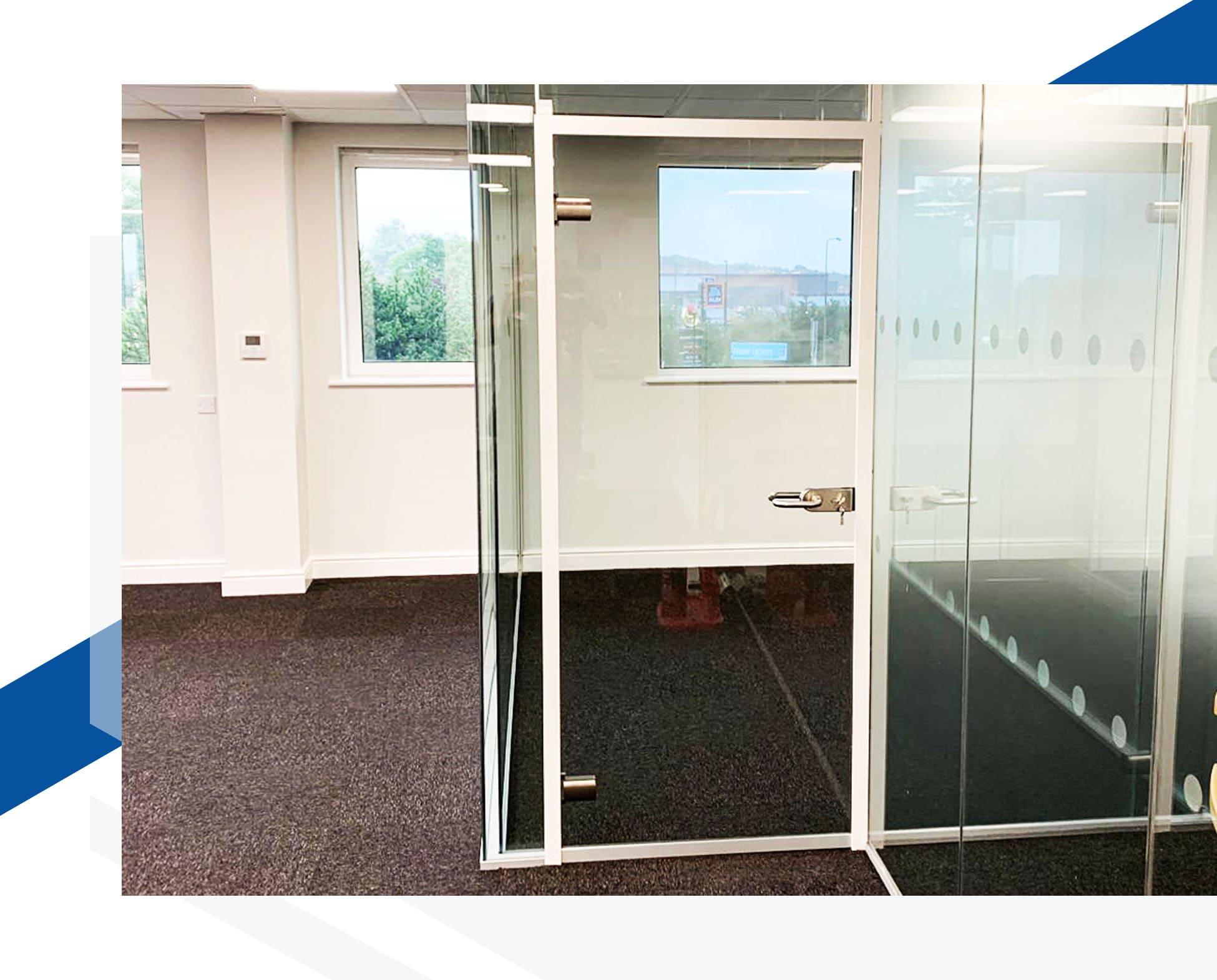 hinged-glass-door-shishex